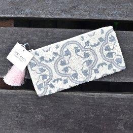 財布プラナカンタイル柄お財布ポーチは10,000円(税抜)